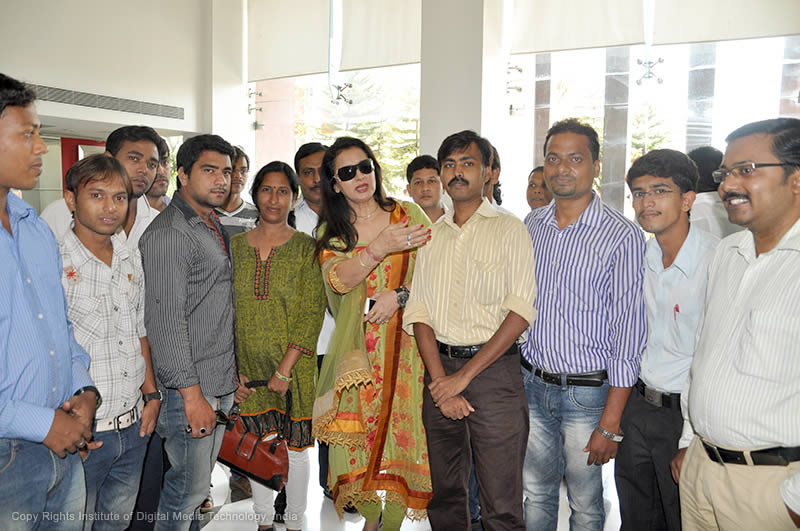 """Veteran bollywood actress Poonam Dhillon cheering up IDMT team on the occasion of """"Junglee Band."""